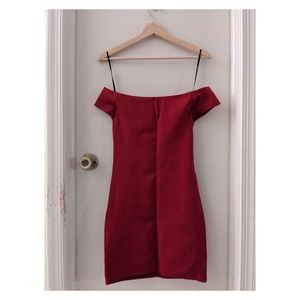 Red off the shoulder bodycon dress